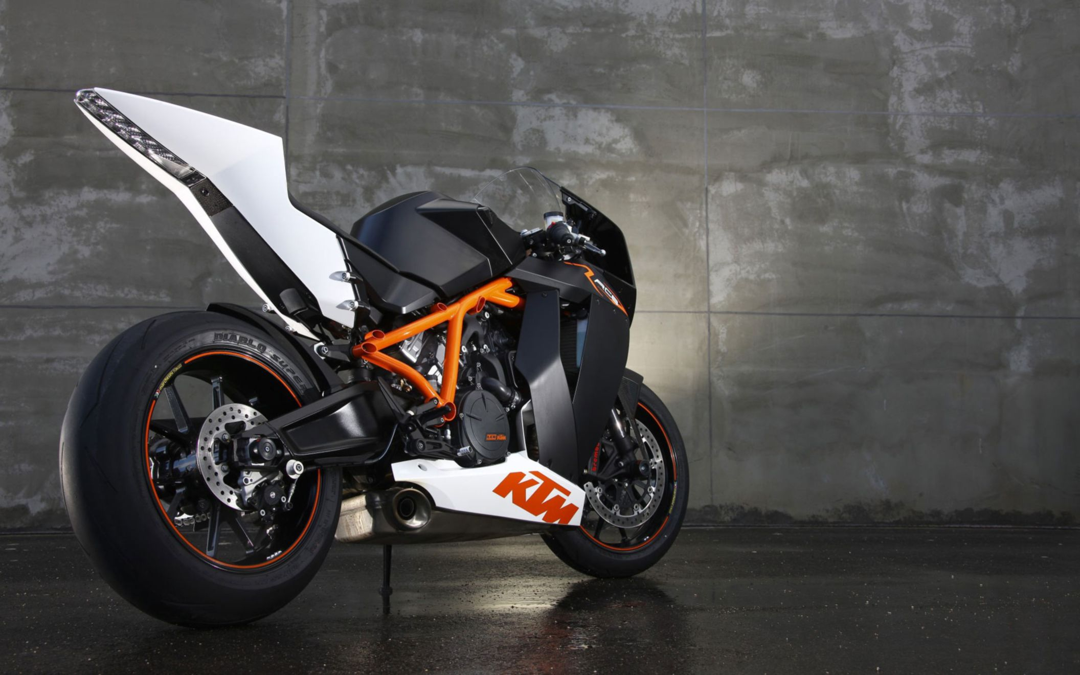 Download free HD Ktm 1190 Rc8 R Wide Wallpaper, image