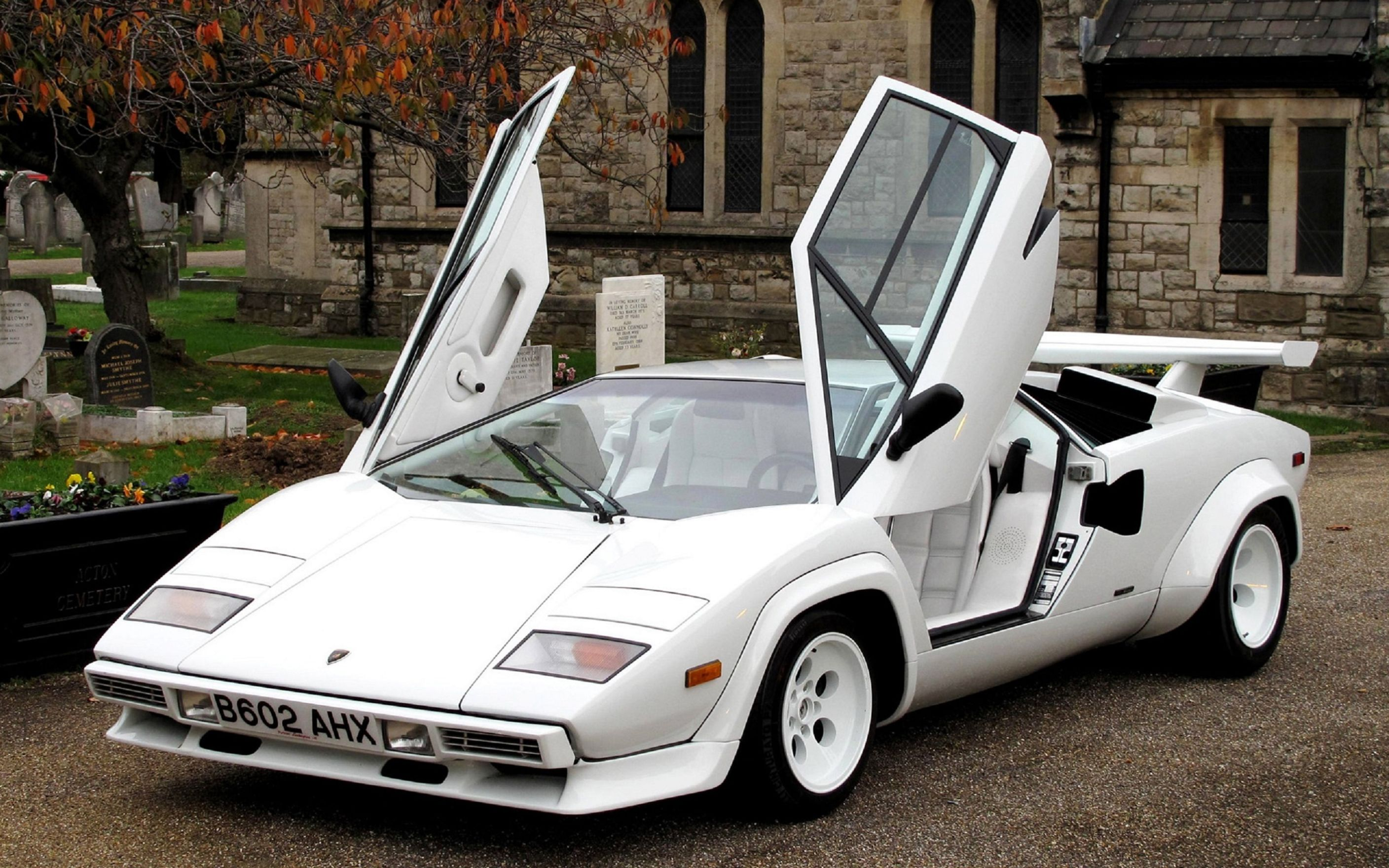 Download free HD Lamborghini Countach 5000 Quattrovalvole Wallpaper, image