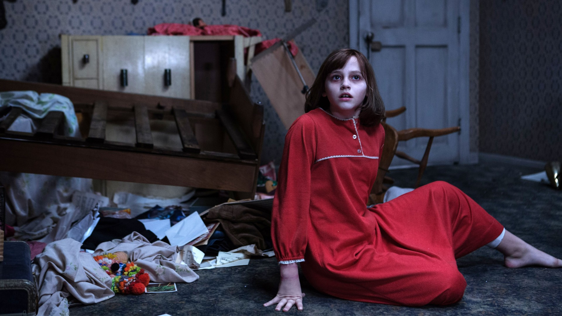 Madison Wolfe In The Conjuring 2 HD Wallpaper