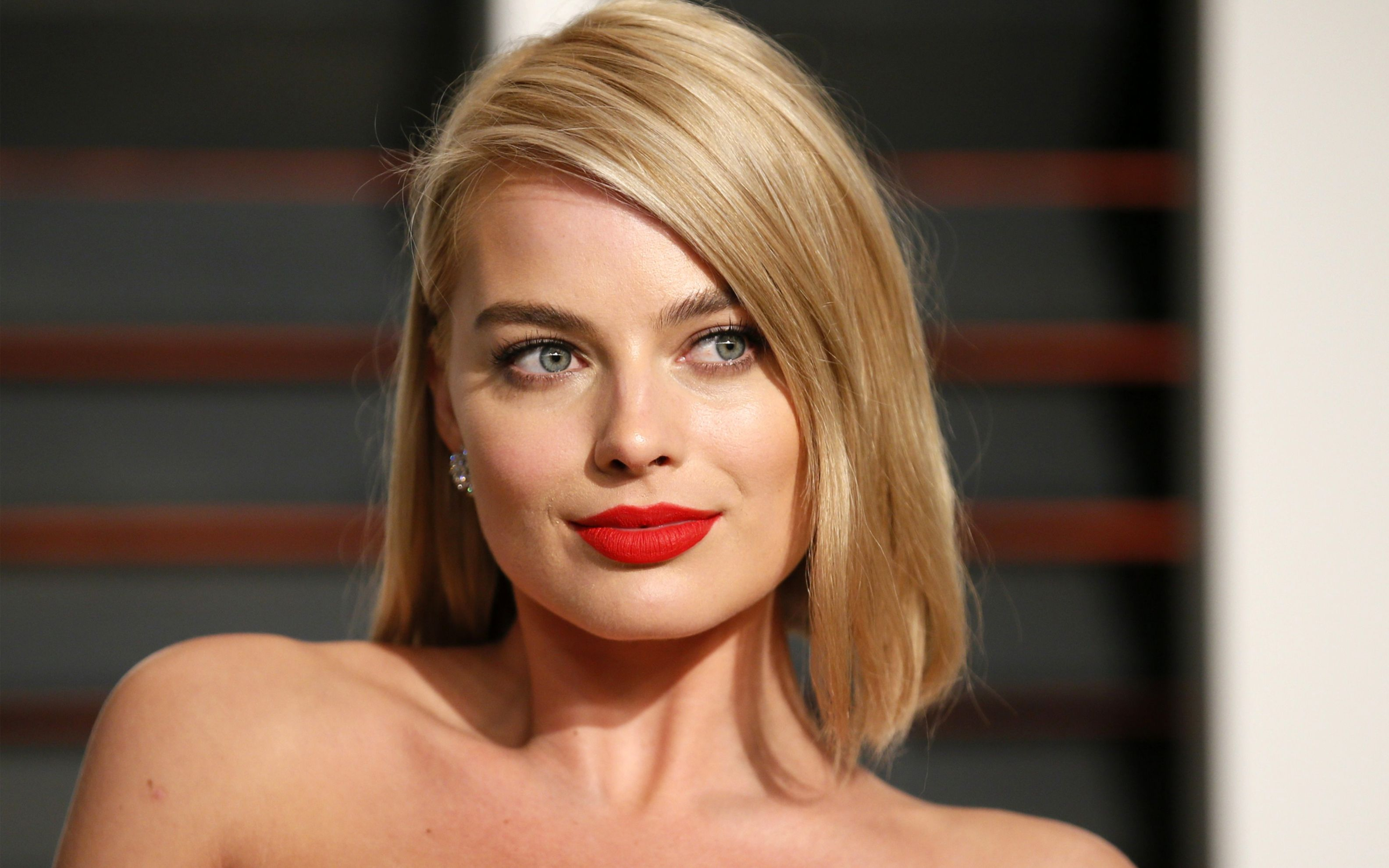 Download free HD Margot Robbie 4 Wide Wallpaper, image