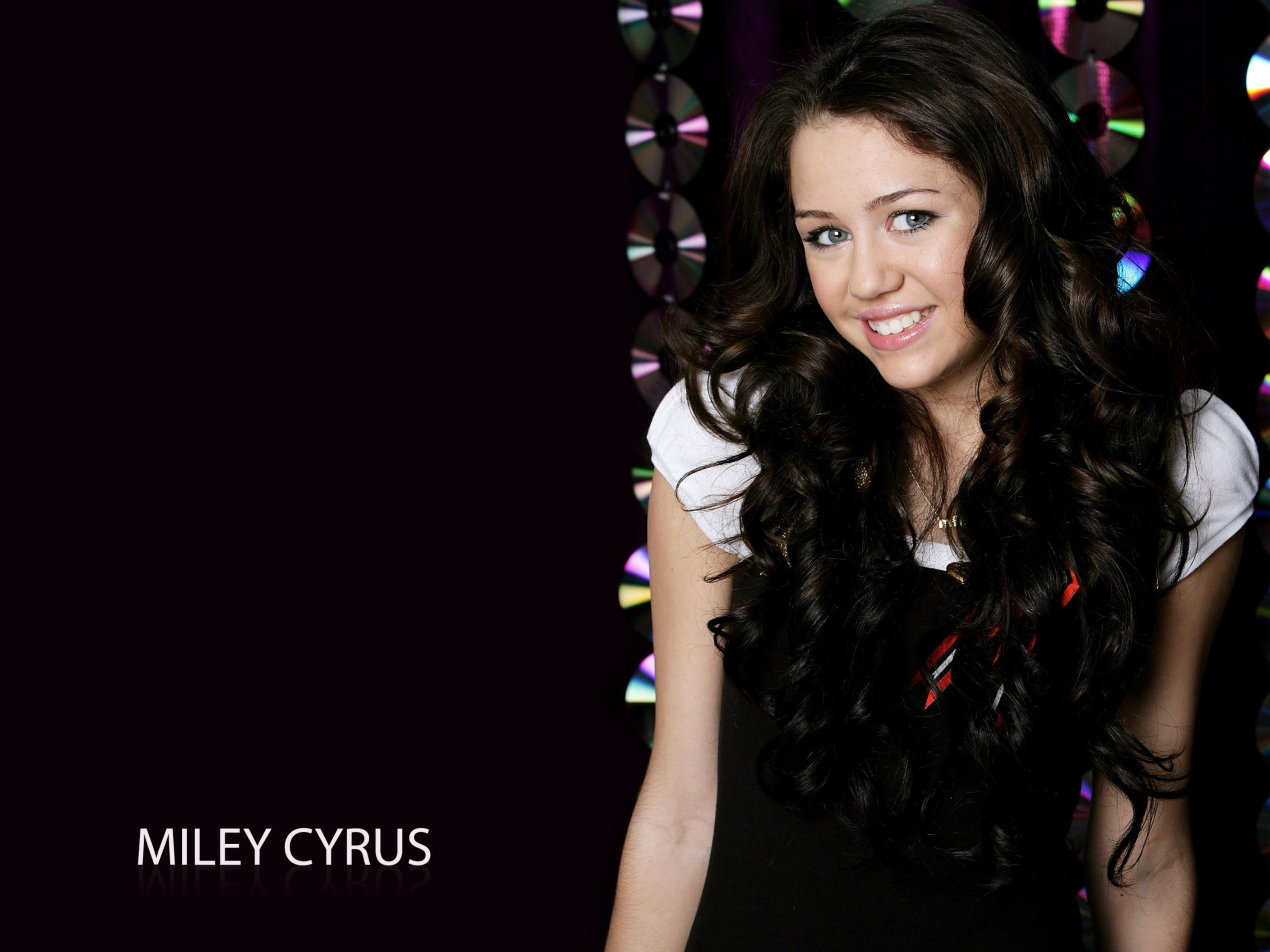 Download free HD Miley Cyrus 27 Normal Wallpaper, image