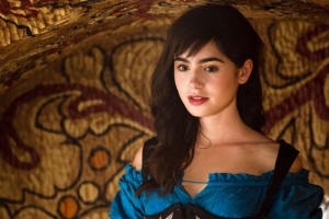 Download Mirror Mirror Lily Collins HD Wallpaper Free Wallpaper on dailyhdwallpaper.com