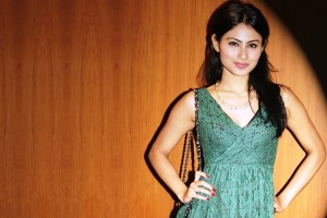 Download Mouni Roy Wallpaper Free Wallpaper on dailyhdwallpaper.com