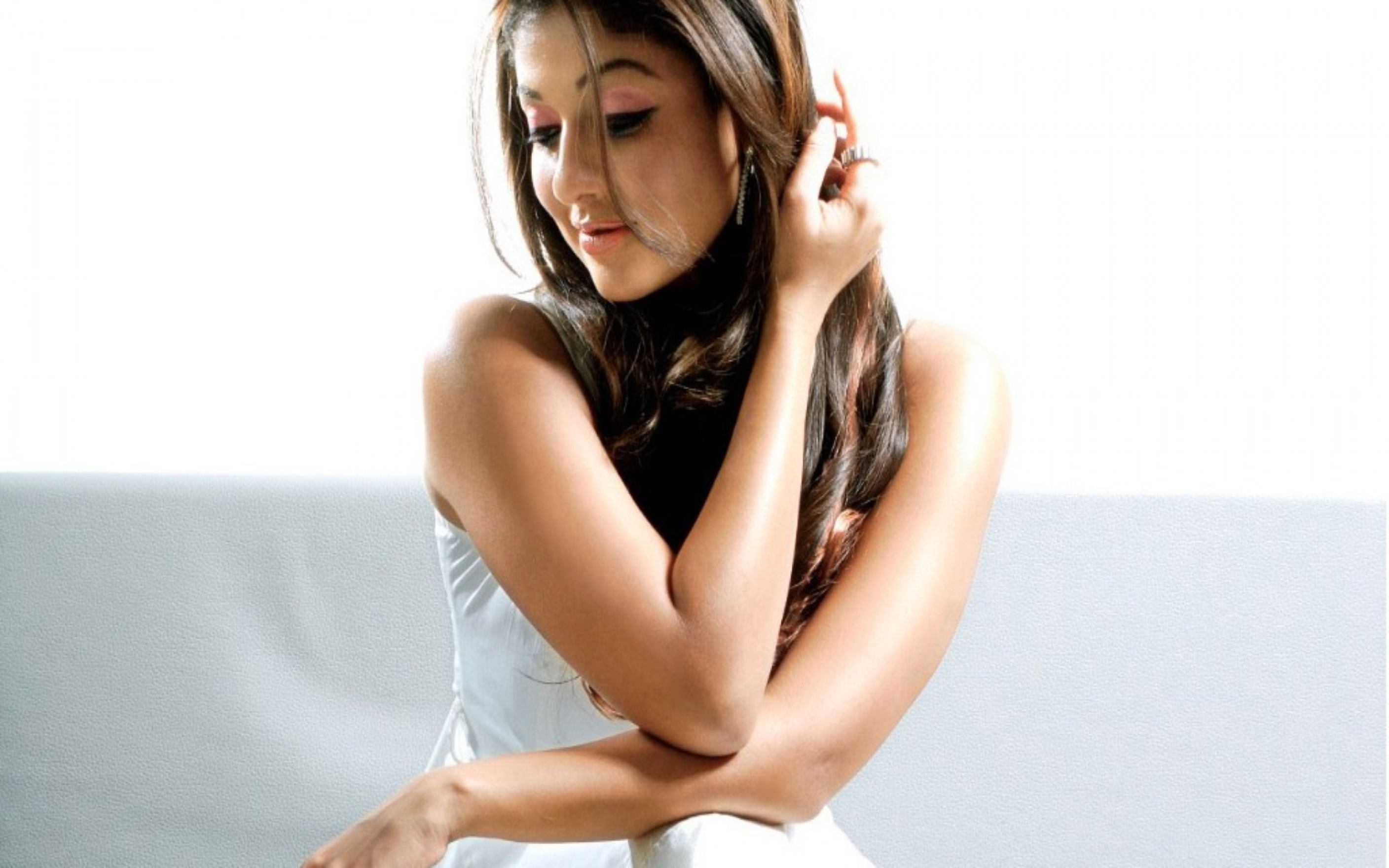 Download free HD Nayantara Wallpaper, image