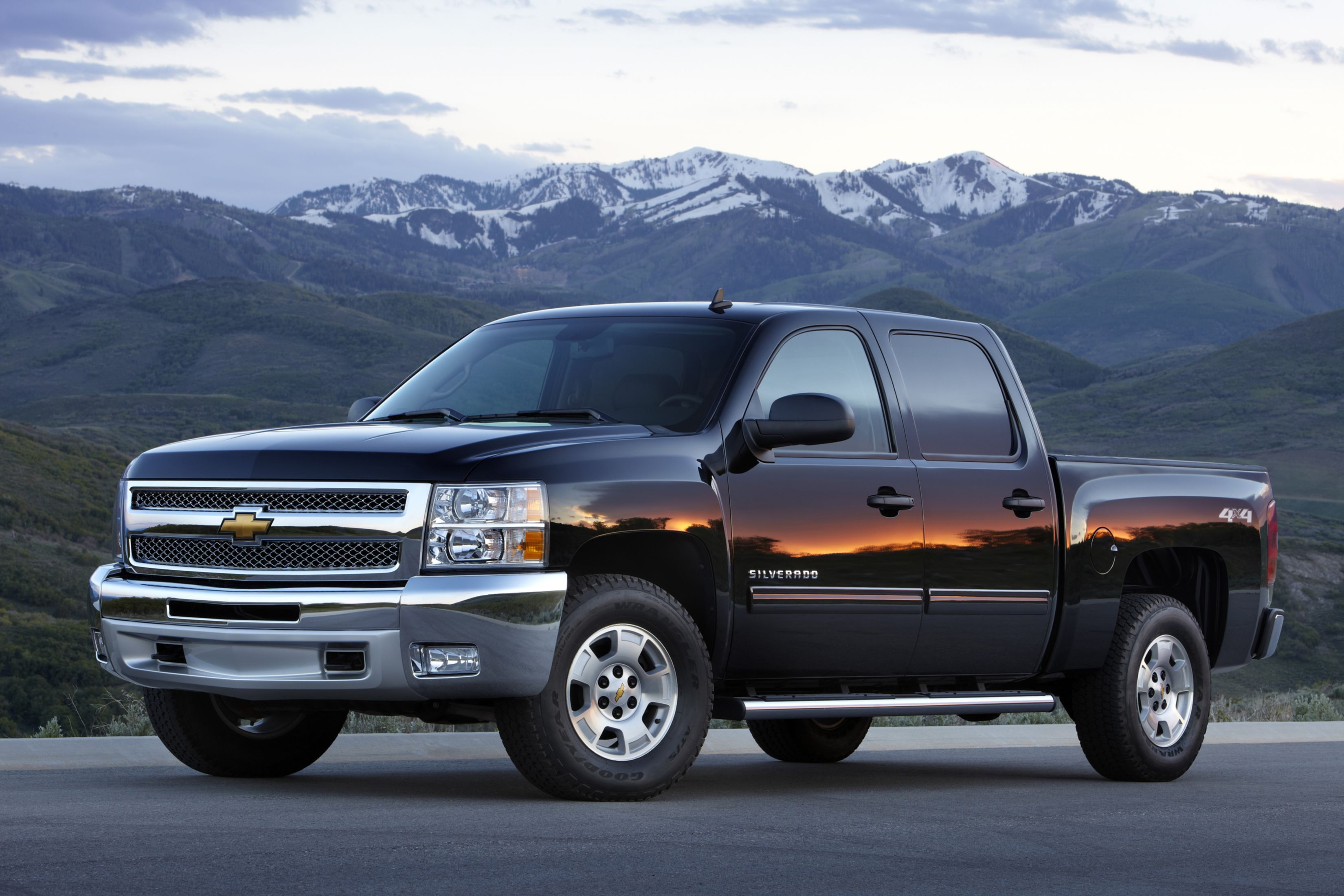 Download free HD Pickup Trucks Chevy 2013 Wallpaper, image