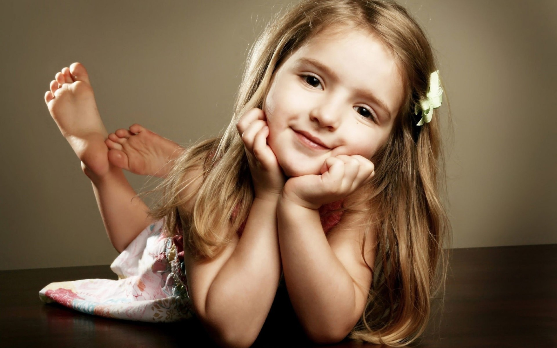Pretty Cute Baby Girl Nice Wallpaper