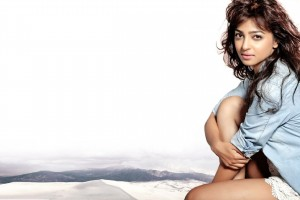 Download Radhika Apte Image Wallpaper Free Wallpaper on dailyhdwallpaper.com
