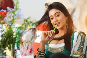 Download Regina Cassandra Latest Wide Wallpaper Free Wallpaper on dailyhdwallpaper.com