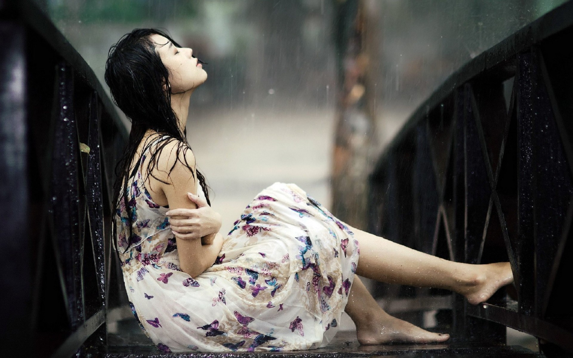 Sad Girl In Rain Wallpaper