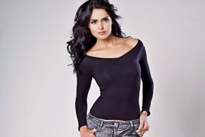 Download Sapna Pabbi Latest Cute HD Images Wallpaper Free Wallpaper on dailyhdwallpaper.com