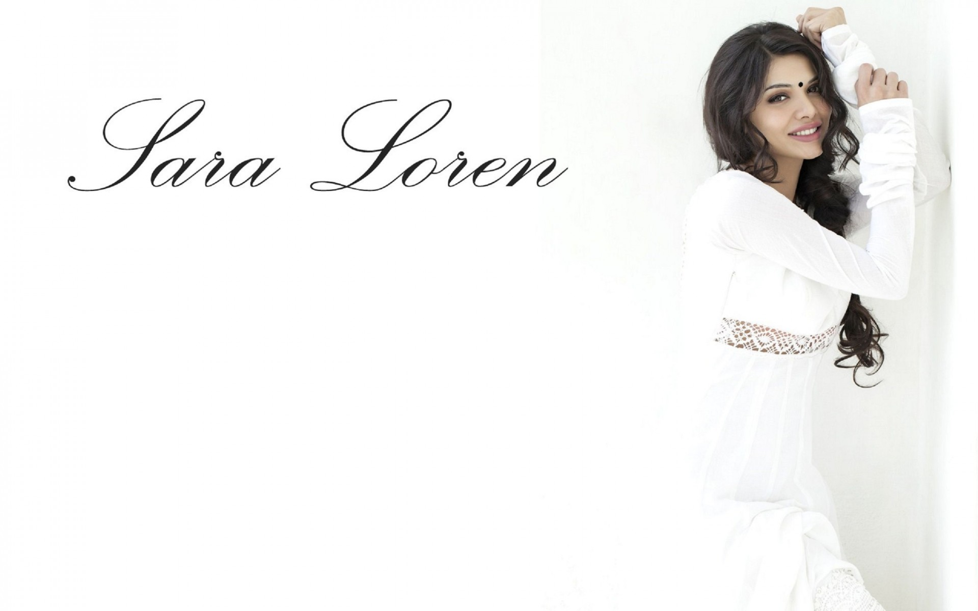 Sara Loren Actress Wallpaper