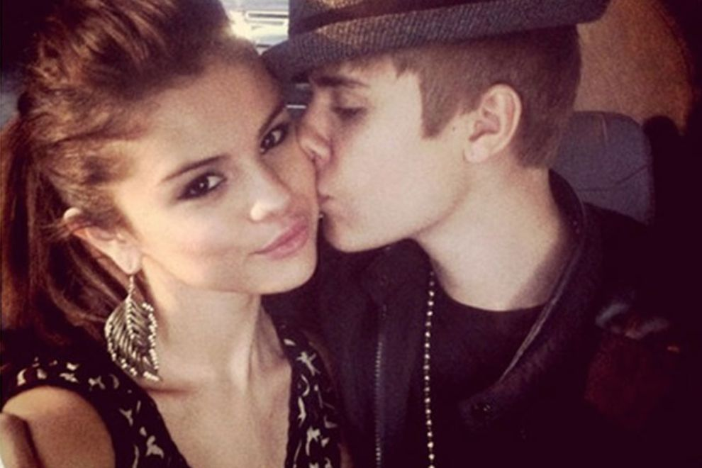 Download free HD Selena Gomez And Justin Bieber Kiss Wallpaper, image
