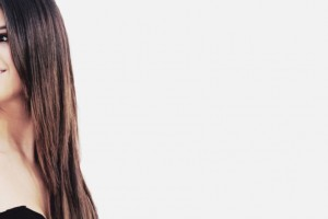 Selena Gomez Twitter Header Smile Photos Wallpaper