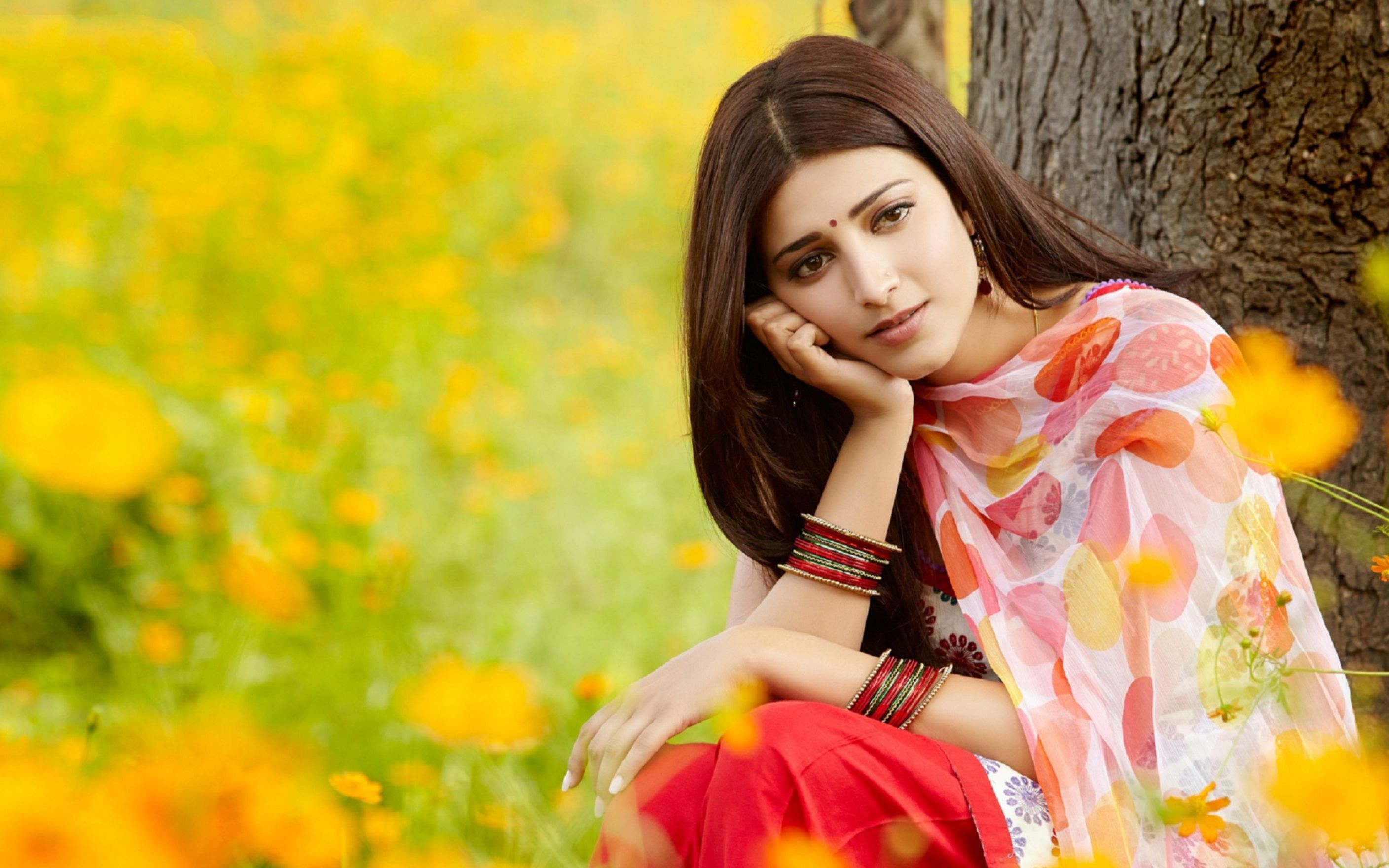 Download free HD Shruti Haasan In Flower Field Wallpaper, image