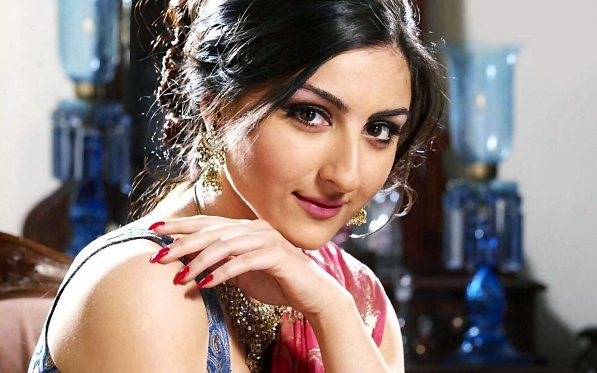 Soha Ali Khan Beautiful Wallpaper