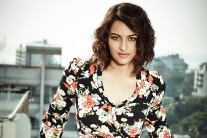 Download Sonakshi Sinha 2015 Wallpaper Free Wallpaper on dailyhdwallpaper.com