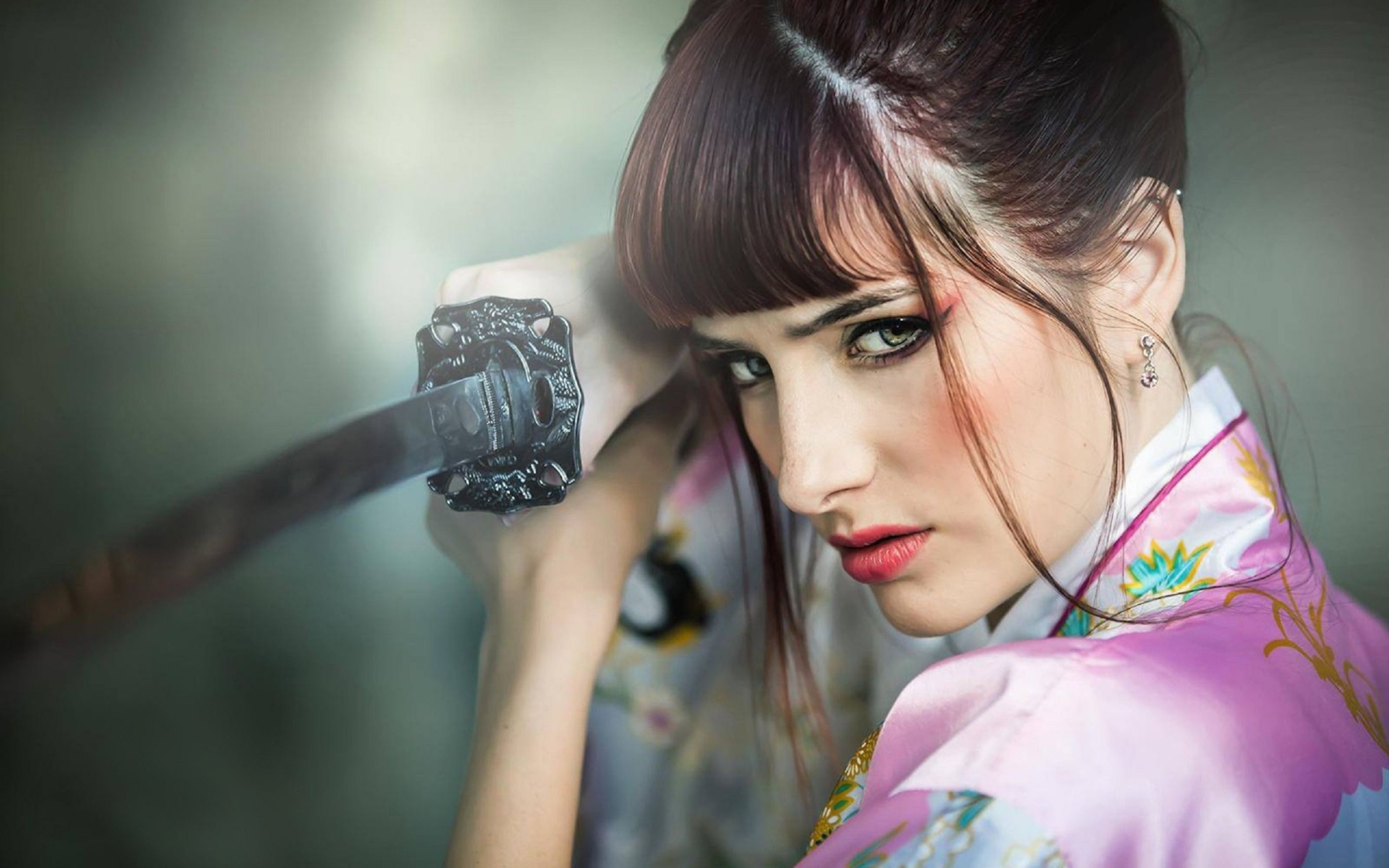 Download free HD Susan Coffey Dangerous Wallpaper, image