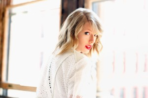 Download Taylor Swift 2015 Wide Wallpaper Free Wallpaper on dailyhdwallpaper.com
