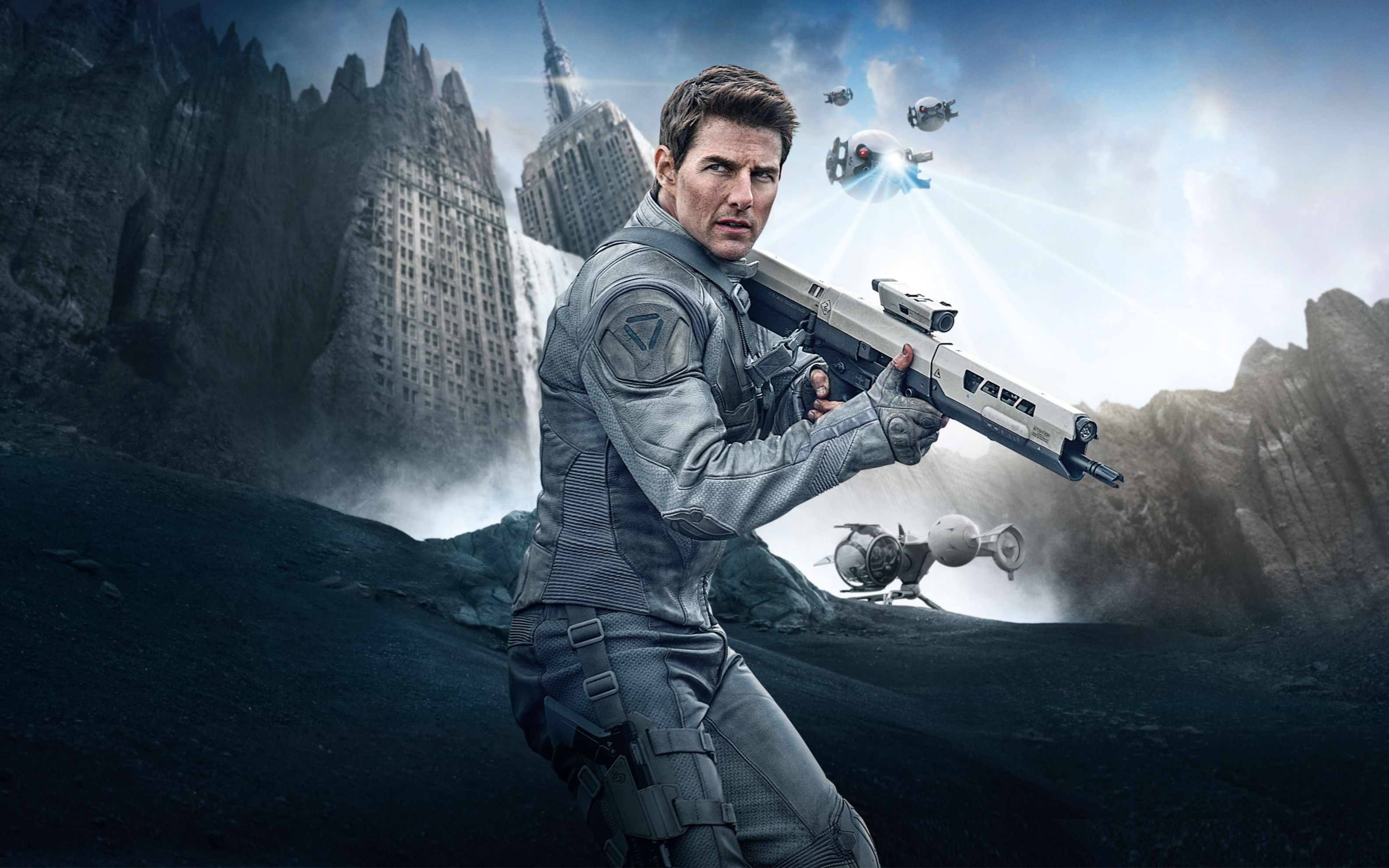 Download free HD Tom Cruise in Oblivion Wide Wallpaper, image