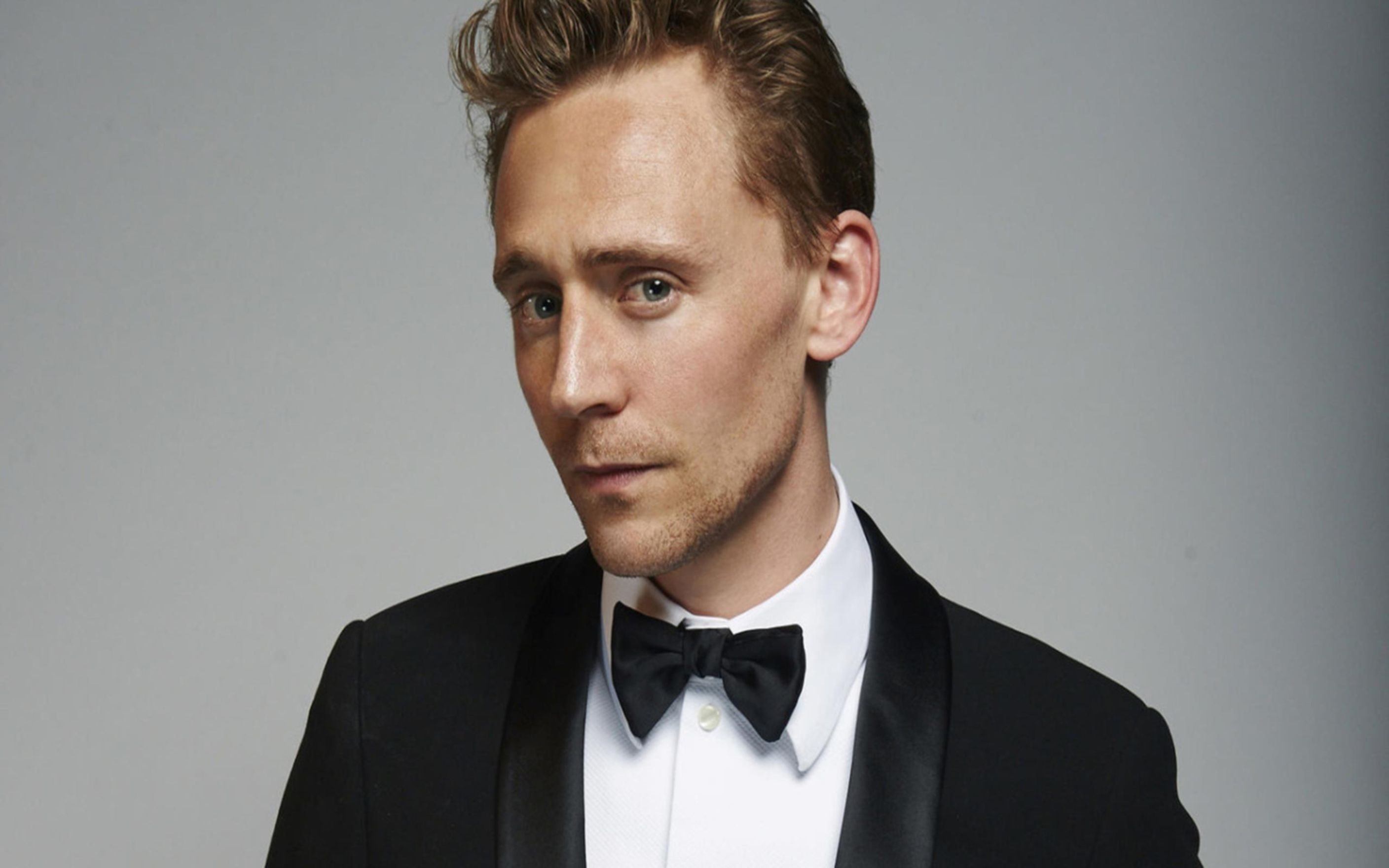 Download free HD Tom Hiddleston Wallpaper, image
