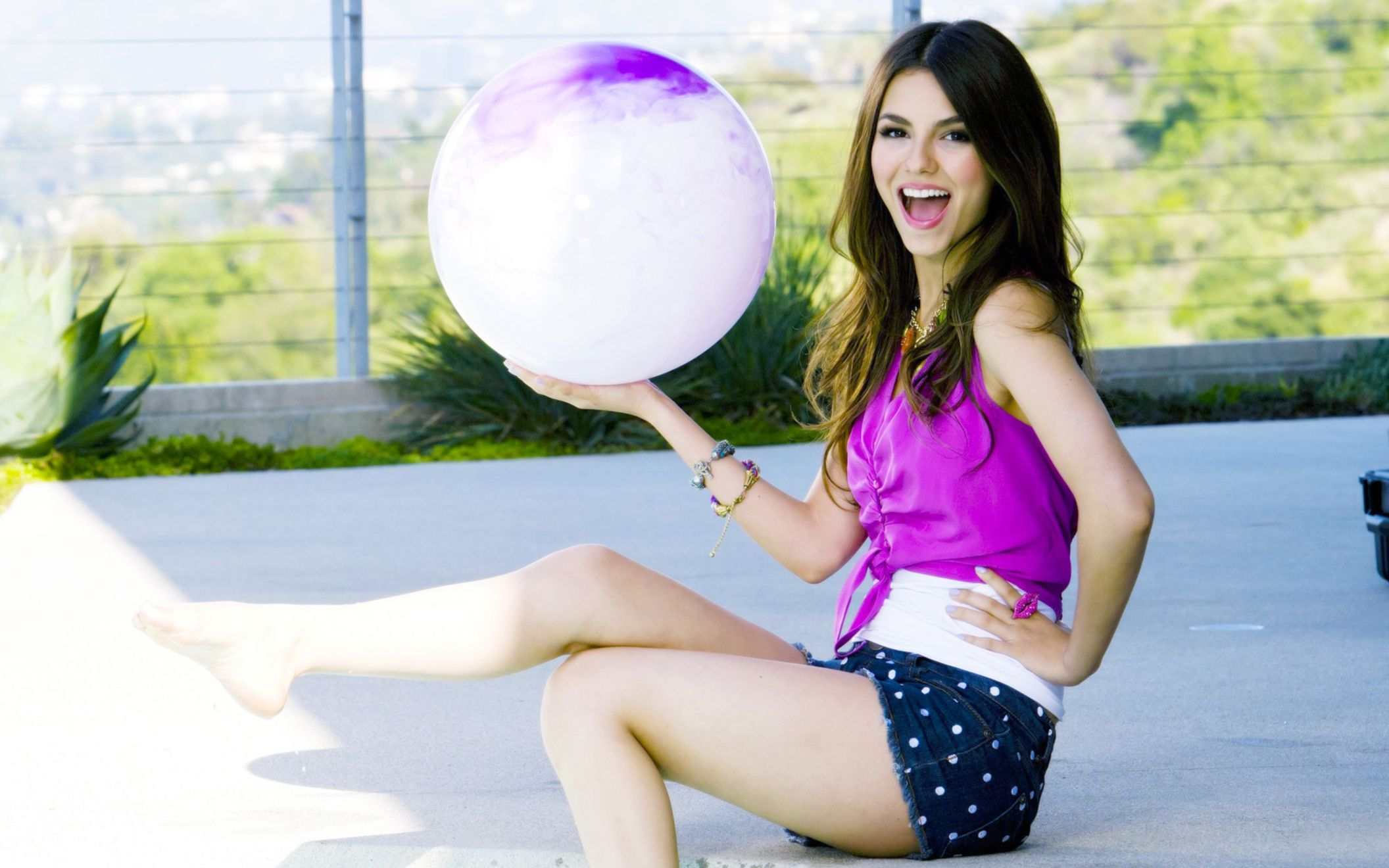 Download free HD Victoria Justice 3 Wide Wallpaper, image