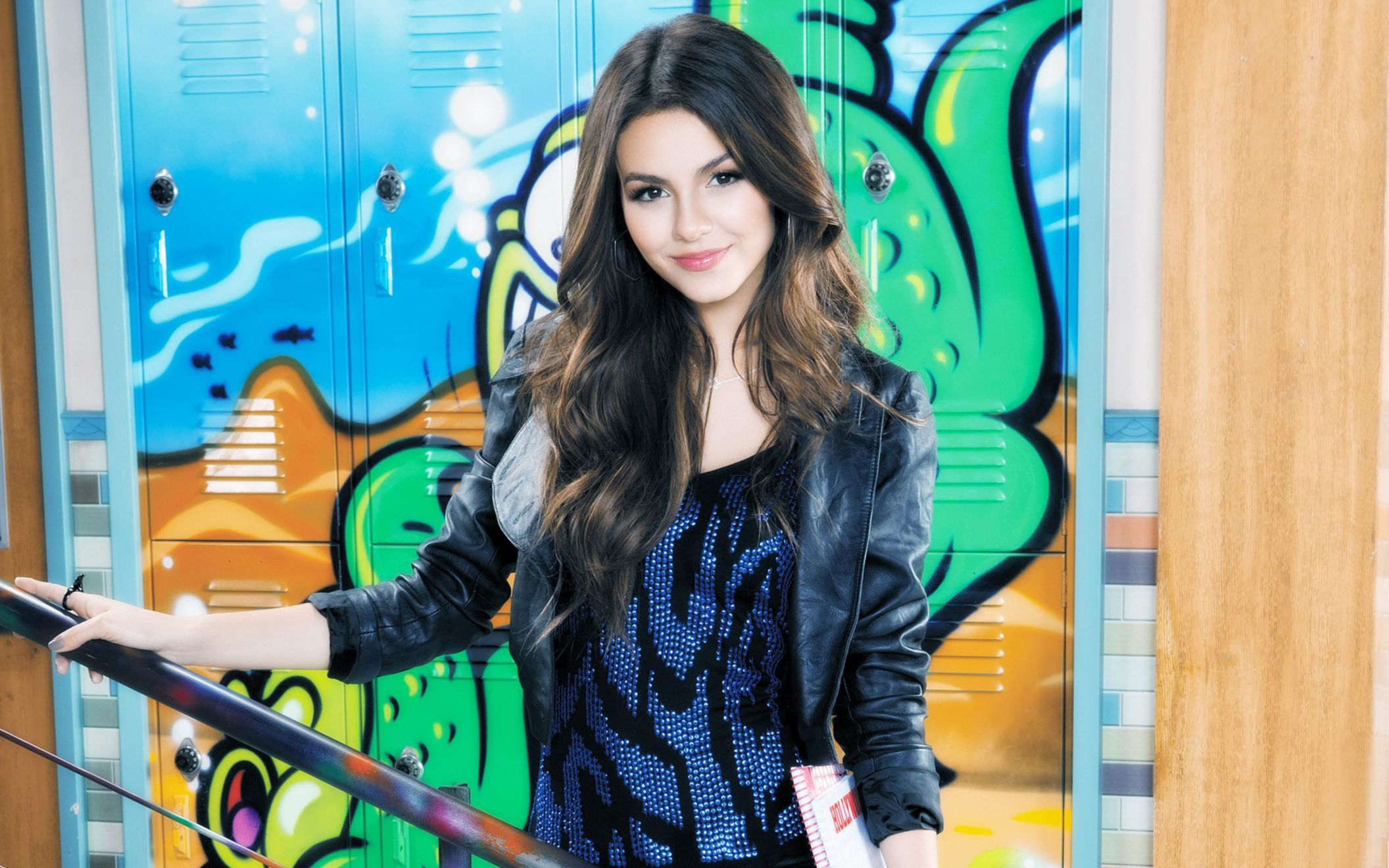 Download free HD Victoria Justice 5 Wide Wallpaper, image