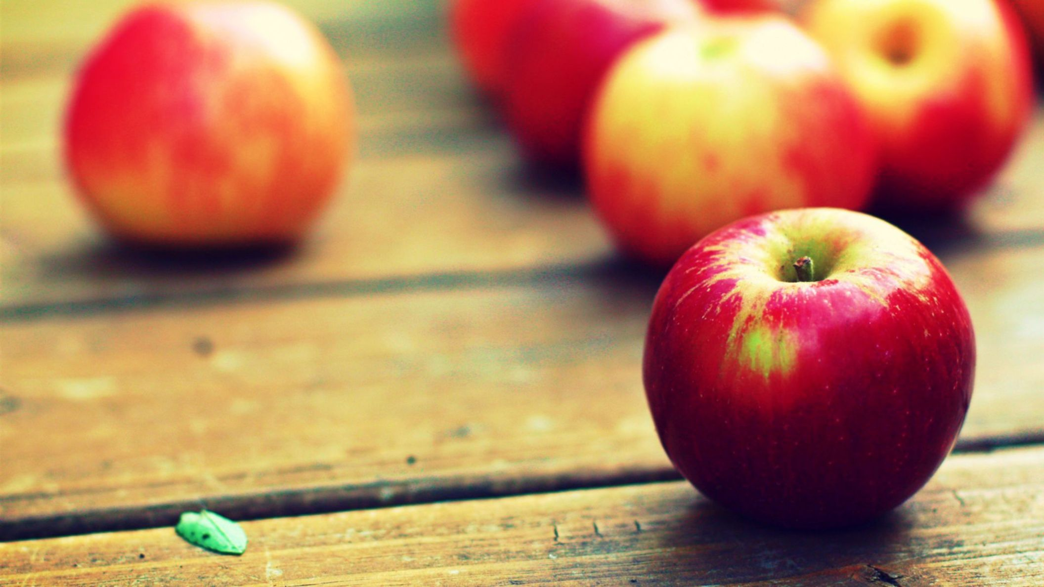Vintage Red Apple Fruit Wallpaper